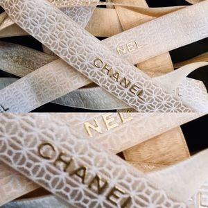 CHANEL IVORY TEXTURED RIBBON GOLD EMBLEM 2 YARDS